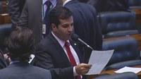 Givaldo Vieira lê nota de repúdio contra a PEC da Previdência enviado pelos Vereadores de Santa Maria de Jetibá